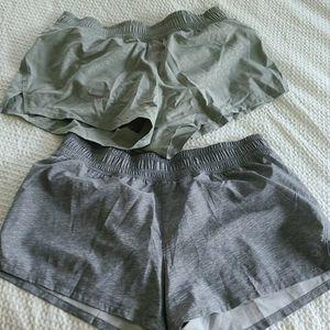 Gap fit medium pair of shorts